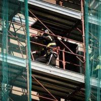 Milano, operaio colpito alla testa da un gancio caduto dall'alto: gravissimo