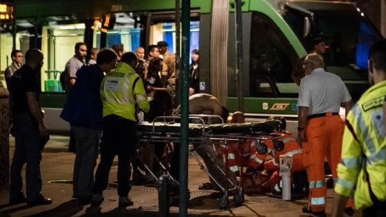 Giovane accoltellato sul tram: è in gravi condizioni