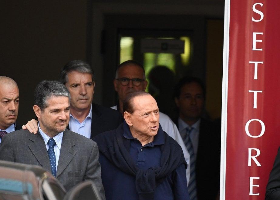 """Milano, Berlusconi lascia il San Raffaele: """"Prova molto dolorosa"""""""