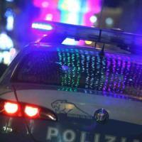 Aggressioni e risse a Milano, gang di latinos in azione: in 15 contro 2 armati di vetri e segnale stradale