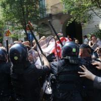 Renzi incontra Sala, tensioni a Milano: scontri tra forze dell'ordine e antagonisti