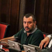 Busto Arsizio, centrodestra nel pallone: la Lega 'vota' Pd, Salvini sospende tutti