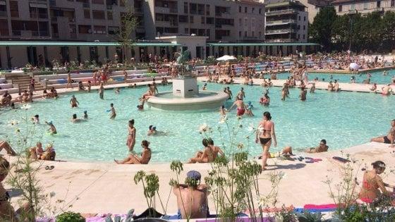Milano, la Caimi diventa il caso dell'estate: record e polemiche per la piscina che punta su glamour e storia