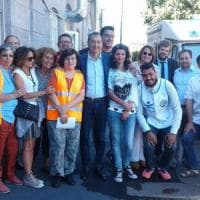 Emergenza profughi a Milano, Sala visita il centro di accoglienza di via Sammartini