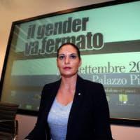 Lombardia, ritorno a scuola con il telefono anti-gender: rispondono gli ultrà del Family...