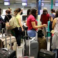 Aeroporti, scongiurato lo sciopero: folla a Malpensa e Linate