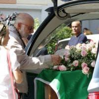Nizza, i funerali a Milano. La figlia di una delle vittime:
