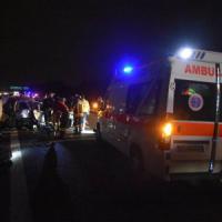 Incidenti stradali, schianto nella notte sulla A4 Milano-Brescia: un morto e 6 feriti