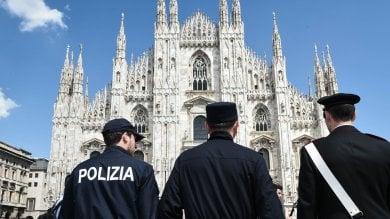 """Duomo, in arrivo sensori e conta-persone  """"Mai più turisti nascosti sui tetti""""   foto"""