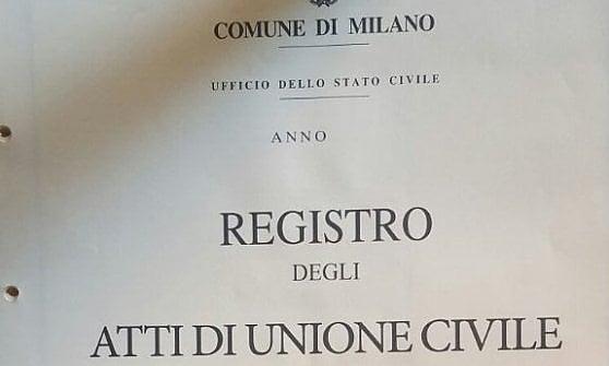 Milano, trenta coppie hanno fissato la data per l'unione civile: vademecum online