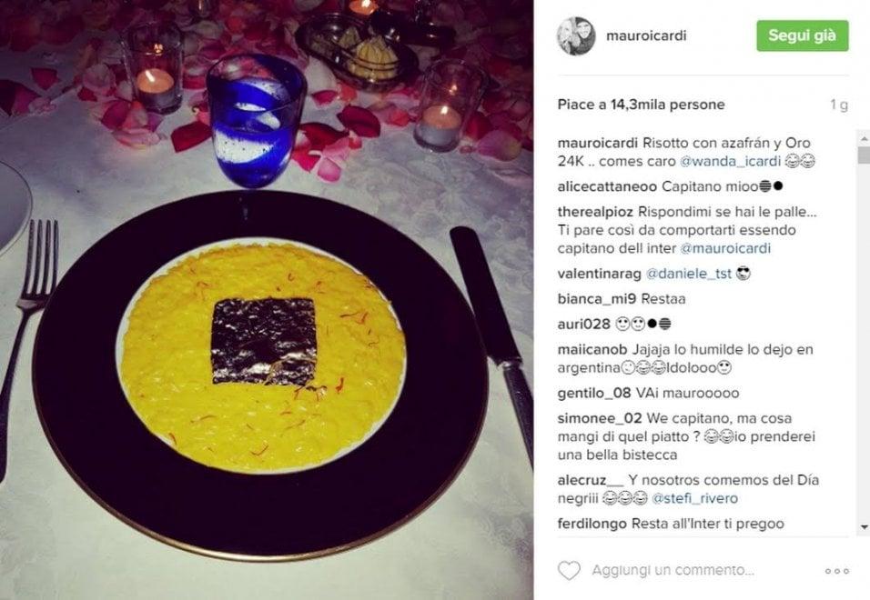 Le foto di Icardi del risotto con oro 24 carati: fan in rivolta sui social