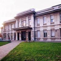 Pavia, insegnante denunciato per violenza sessuale dai genitori di un ragazzo di 17 anni