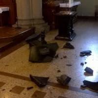Devastata una chiesa nel Comasco, il parroco: