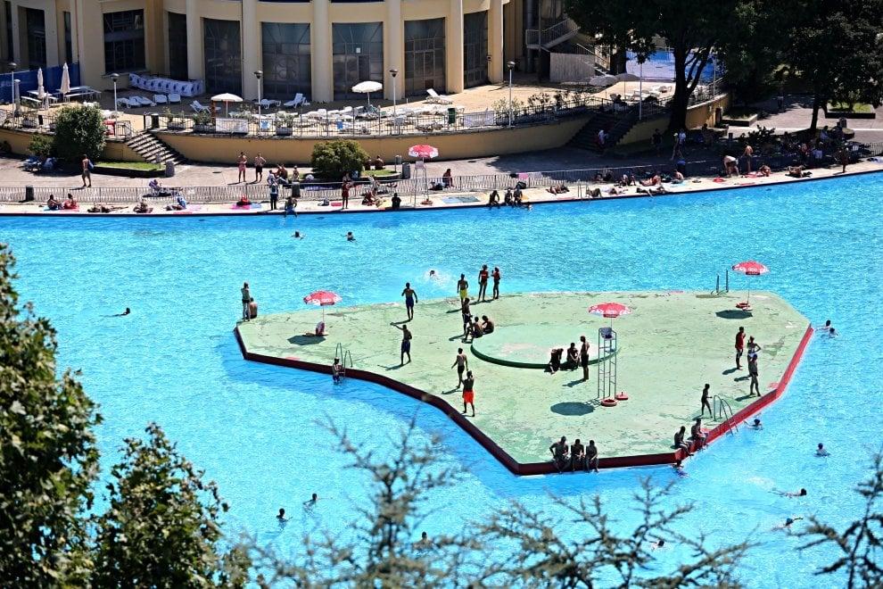 Ferragosto in costume i milanesi premiano le piscine for Piscina suzzani