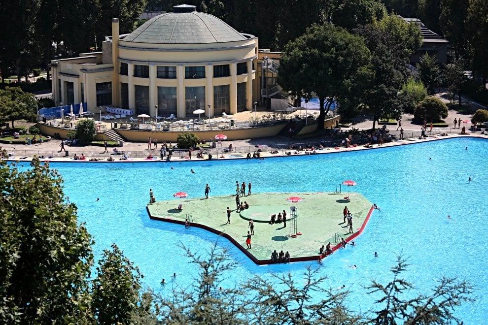 Ferragosto in costume i milanesi premiano le piscine - Piscine di milano ...