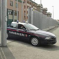 Varese, minacce con un falcetto per un'auto parcheggiata male: arrestato 62enne