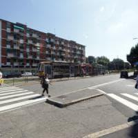 Milano, lite in strada finisce a pugni: 54enne sbatte la testa sul marciapiede, è in coma