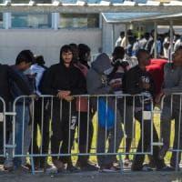 Cure ai migranti, l'affondo della Lega: