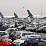 Malpensa, denunciati i titolari di un parking: le auto in sosta dirottate tra i rifiuti