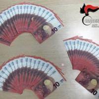 Milano, i carabinieri intervengono per una lite in famiglia e scoprono banconote false