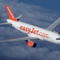 Ha un malore sul volo Milano-Lamezia, atterraggio d'emergenza a Fiumicino
