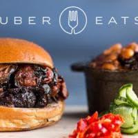 Food: Uber rilancia, pizza e sushi a domicilio con la app. E cerca manager