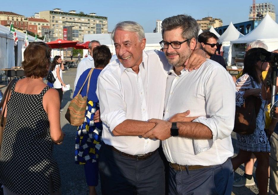 Milano, la prima volta di Pisapia da ex è alla festa dell'Unità