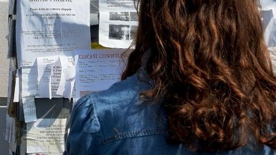 Milano, per gli studenti affitti ancora più cari: 510 euro per una singola, +28% rispetto alle altre città