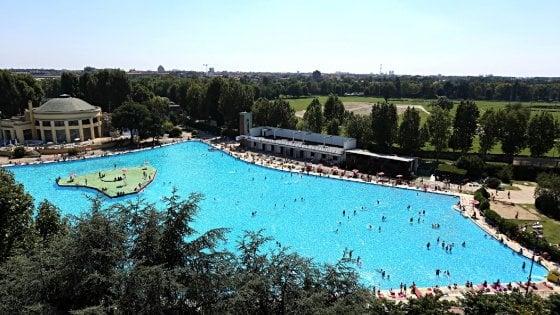 Milano l 39 estate resiste e le piscine restano aperte al - Piscine di milano ...