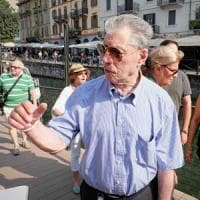 Milano, Bossi sui Navigli affonda i nuovi big della Lega:
