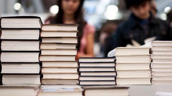 Duello con Torino, Milano fissa la data: Fiera del libro 19-23 aprile
