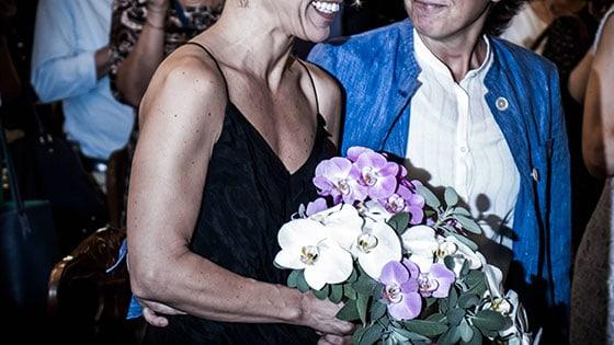 Unioni civili, sindaco Pd non le sposa a Legnano: nozze gay nel Comune guidato dalla Lega