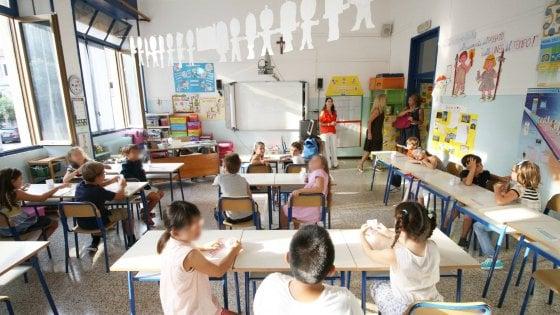 """Scuola Lombardia, via col telefono anti-gender. E la Regione scrive a tutti i presidi: """"Informate le famiglie"""""""