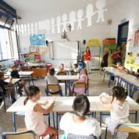 Scuola Lombardia, via col telefono anti-gender. E la Regione scrive a tutti i presidi: