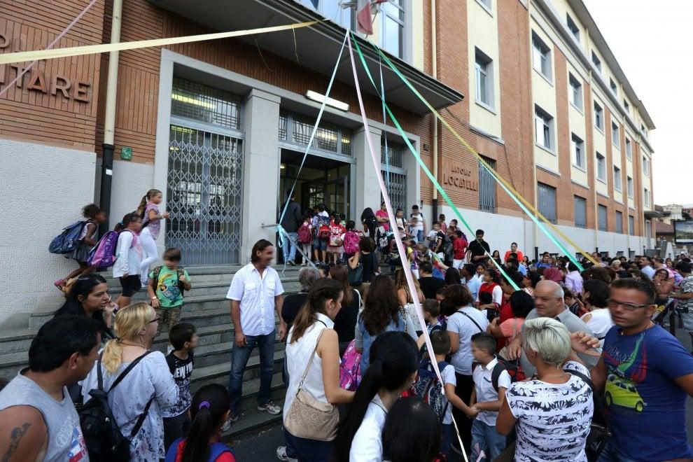 milano primo giorno di scuola per 350mila alunni 1 di 1