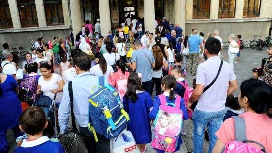 Scuola, caos trasferimenti: la Lombardia la più colpita. Ancora scoperte 2.500 cattedre