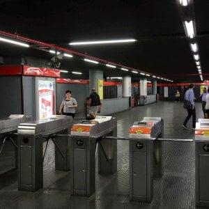 Metrò Milano, rivoluzione all'alba: sulla Rossa già alle 5.40, ecco i nuovi orari