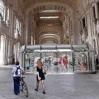 Milano, palpeggia ragazza in un negozio della Centrale: 33enne finisce in manette