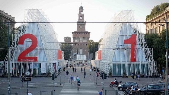 Milano dice addio alle contestate piramidi dell'Expo gate, il simbolo dell'evento in città sarà demolito