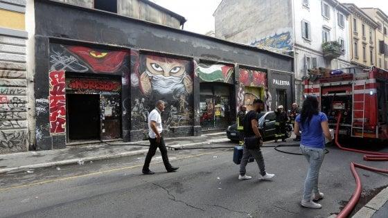 Milano, incendio nel centro sociale Lambretta: sigilli alla struttura