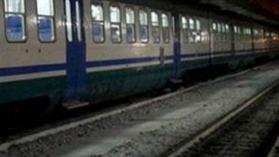 Ragazzo travolto dal treno mentre telefona a Seregno