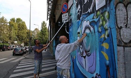 Street art a Milano, anche il cuore infranto di Instagram in 3D nel nuovo museo a cielo aperto