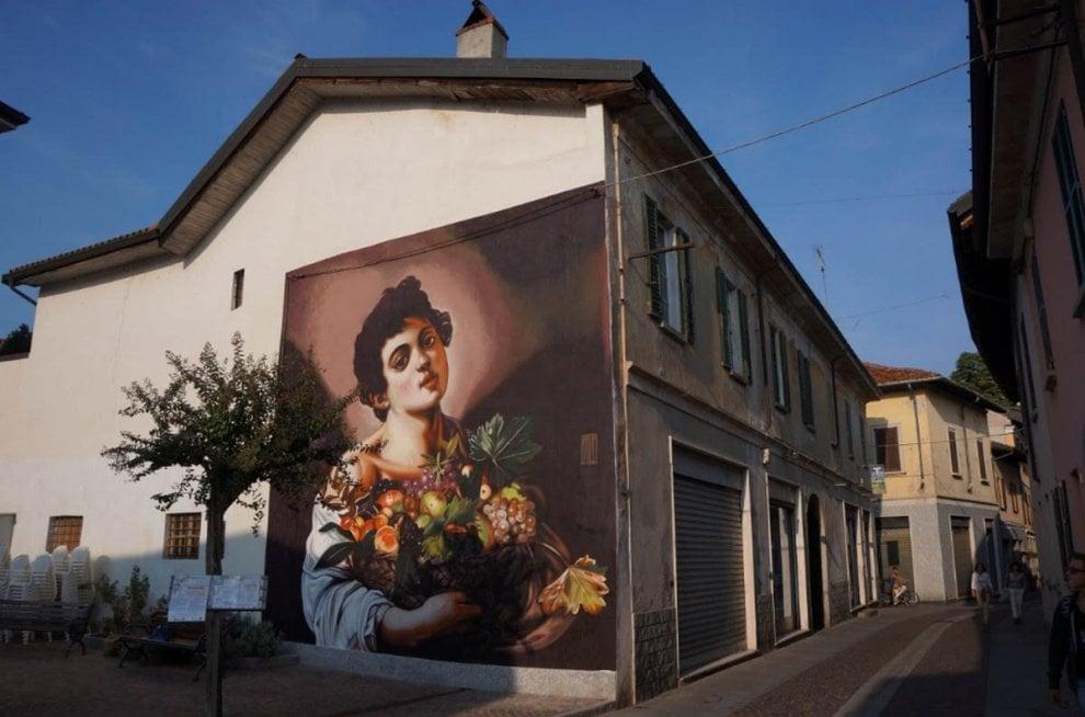 Caravaggio sui muri, sul Lago Maggiore l'ultima impresa del writer esperto di classici