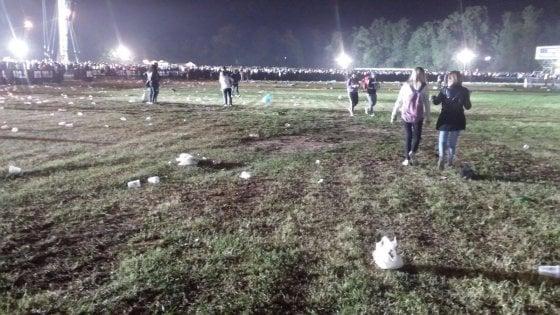 """Ligabue, la fotodenuncia degli ambientalisti di Monza: """"Il prato distrutto, basta maxi concerti"""""""