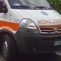 Incidenti stradali, scontro moto-bici a Milano: muore ciclista 54enne