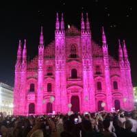 Ricerca, il Duomo di Milano si illumina di rosa: il colore della lotta contro il cancro al seno