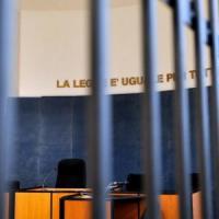 Giustizia, Scola sulle gabbie in tribunale: