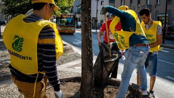 Verde, graffiti e manutenzione: ecco il progetto 'lavori utili' per i profughi ospiti a Milano
