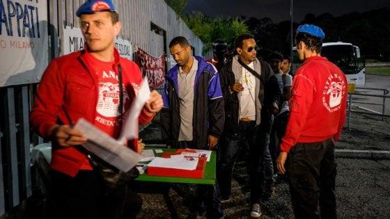 Milano, centri profughi aperti ai milanesi. E migranti nei musei per educare al bello