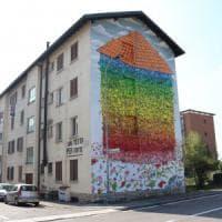 Bergamo, street art e diritto alla casa. Maxi murale di Blu per dire: